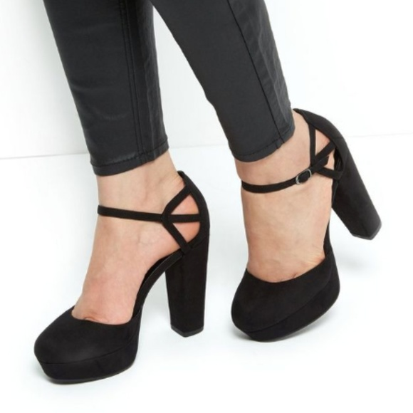 488518f9a0 New Look Shoes | Nwt Black Suedette Caged Ankle Strap Block Heels ...